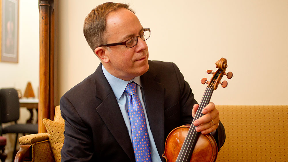 Distinguished Violin Maker Christopher Reuning to Offer Appraisals Certificates in Los Angeles