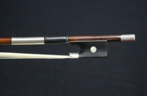 James-Tubbs-Violin-Bow-1880-Frog